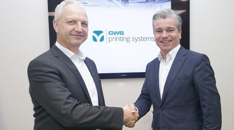 Im Bild Walter Läng (links) mit GWS Commercial Director Eric van Kessel.